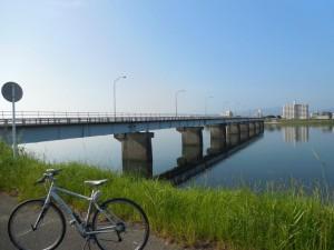 途中まで取り壊された小戸橋