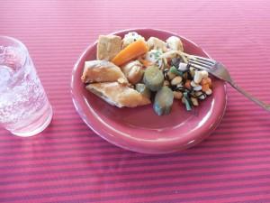 副菜、サラダは食べ放題です。