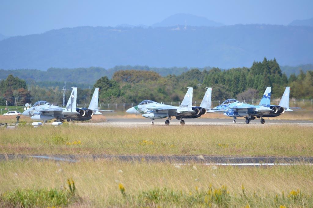 F15アグレッサー部隊は3機で1チー