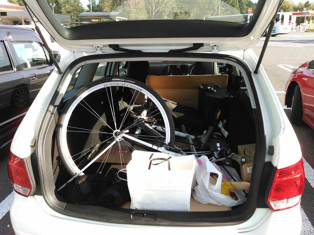 自転車で荷室は満載