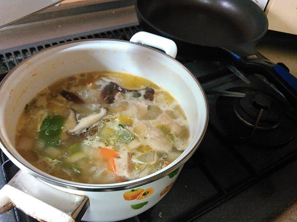 沸騰したらあくを取って、とわび~中火で20分間煮る