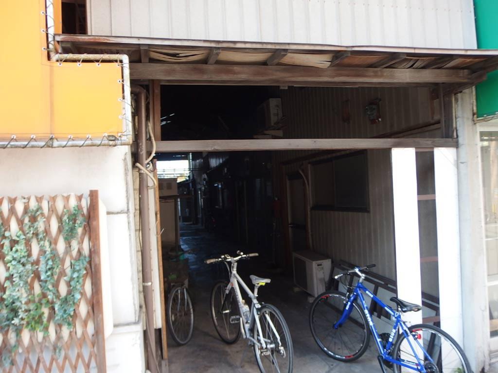 九州大学病院入口にある昔のアーケード街跡