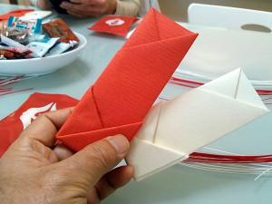 紅白の箸袋出来ました。
