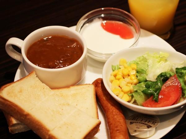 1日目の朝食はビーフシチュー