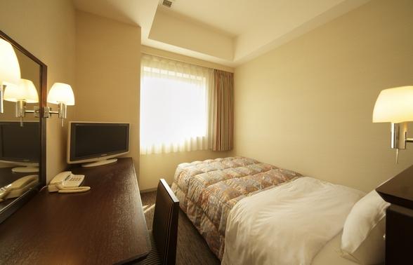 ホテルの部屋はシングルです